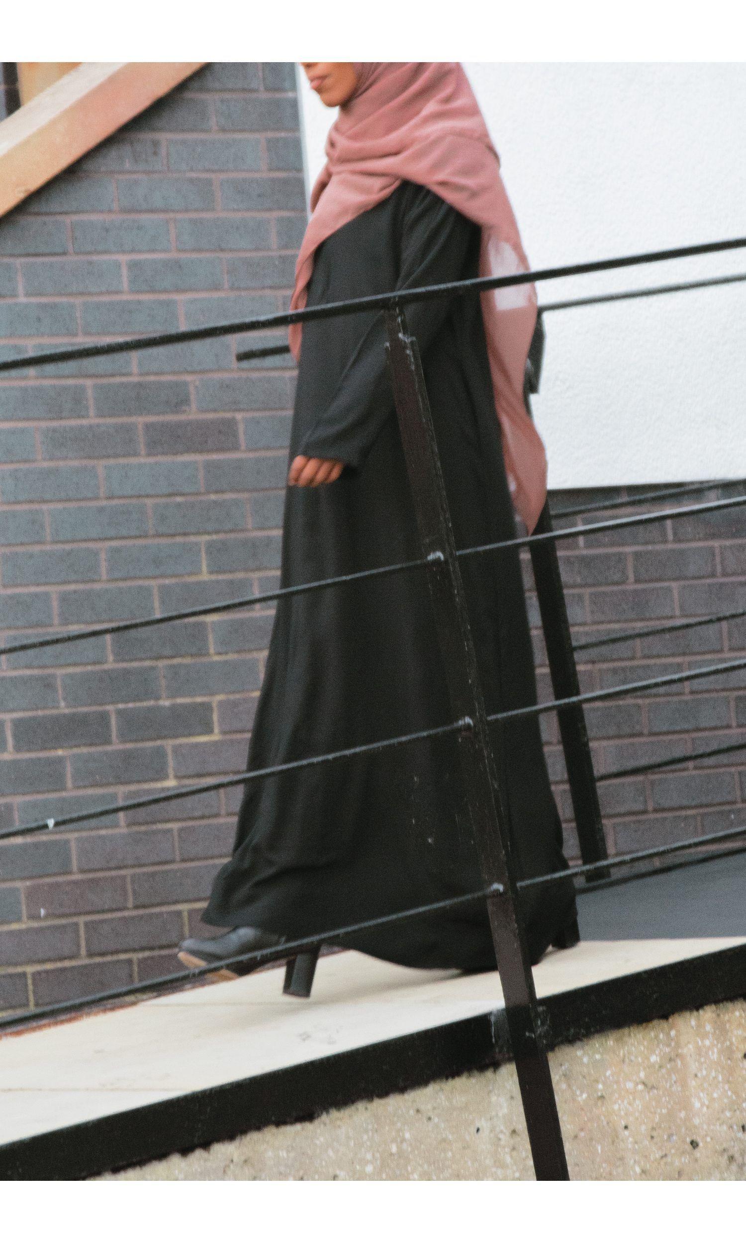 Monochrome Empress Lace abaya