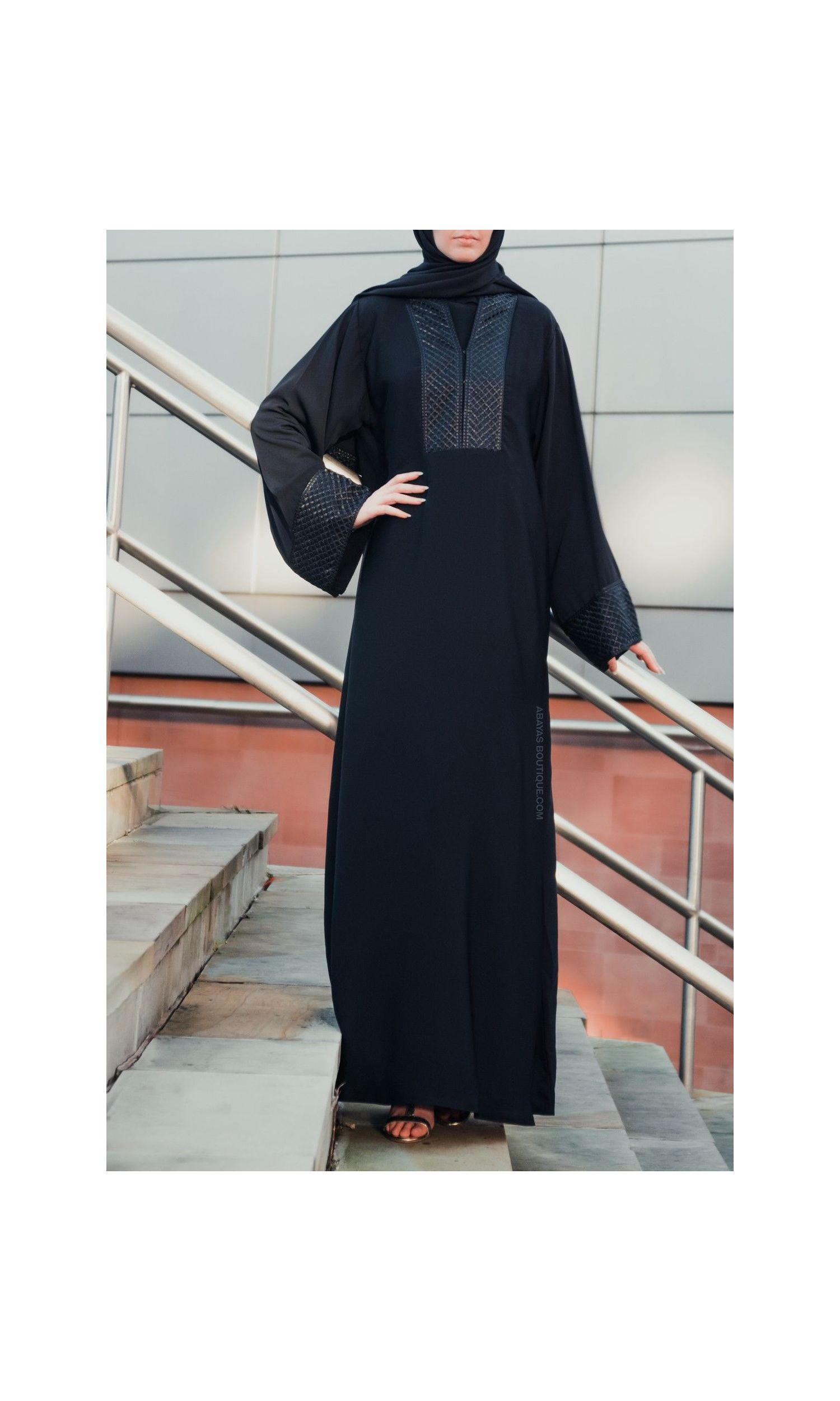 Regal Black & Gold Abaya