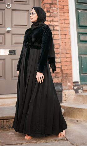 Sublime Velvet Pleated Abaya
