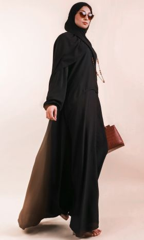 Black Curved Panel Abaya