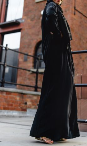 Black Long-Sleeve Slip Abaya